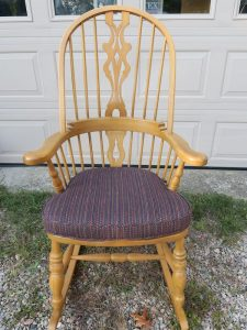 """Rocking Chair Seat Cushion 